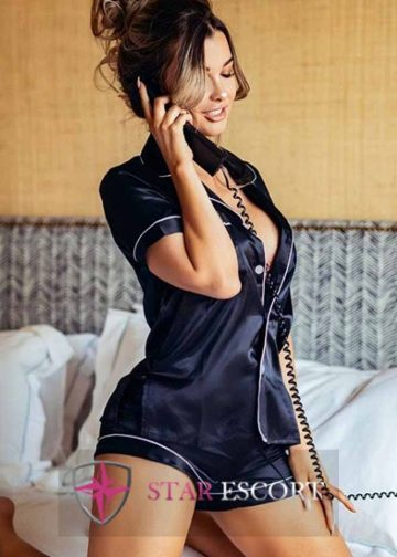 Gorgeous Amsterdam escort lady doing Roleplay