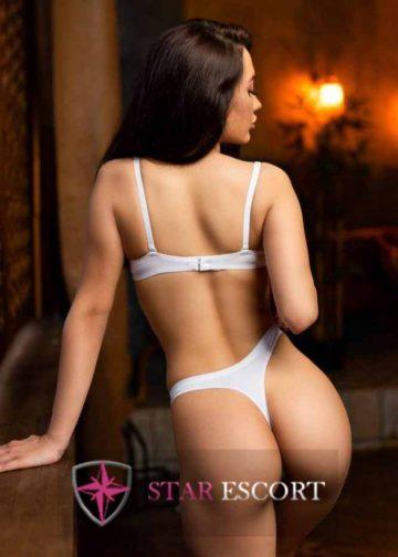 Foto van een playful escort dame